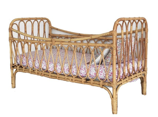 Мебель из ротанга в интерьере детской